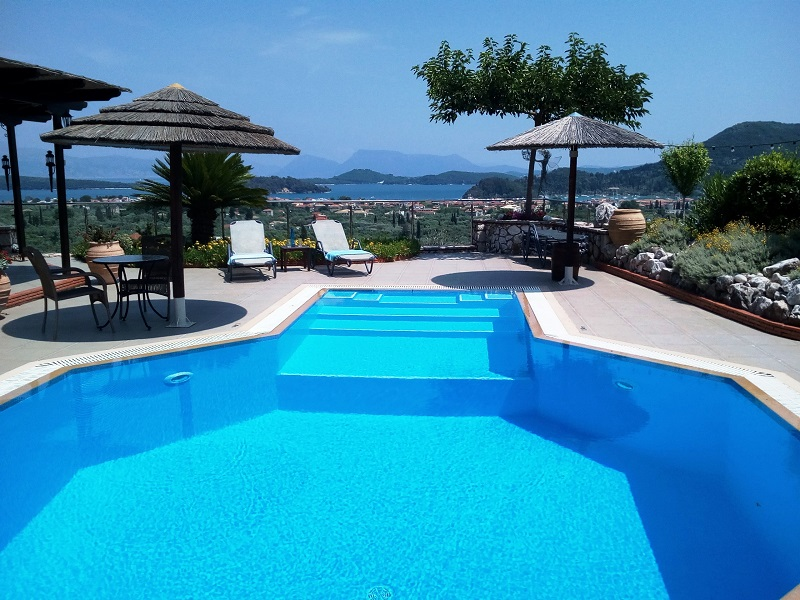 Villa Octavius pool with view to the islands